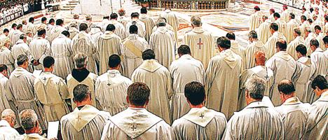 Las denuncias de abusos contra menores provocaron un severo daño a la Iglesia Católica y reavivaron los debates en torno a cuestiones polémicas, como el celibato.
