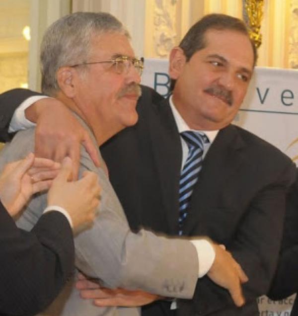 Con un ministro nacionald de apellido De Vido